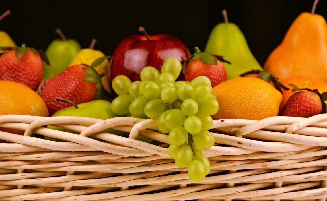 consommer des fruits bios