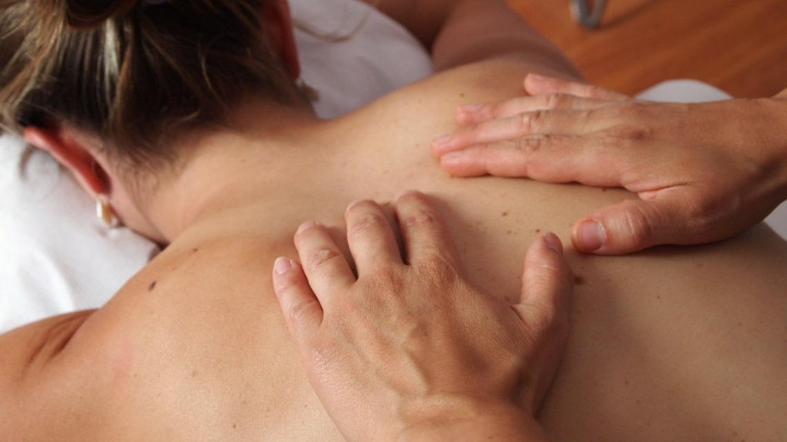 Profitez d'un bon massage avec des huiles végétales